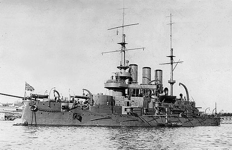 6. Für Kinoliebhaber kein Problem: Es handelt sich um das Schlachschiff Knjas Potjomkin Tawritscheski, besser bekannt als Panzerkreuzer Potjomkin aus dem gleichnamigen Film von 1925.